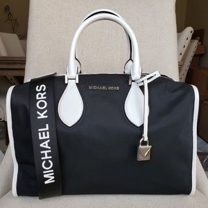 NWT Michael Kors LG Connie duffle Bag Black white